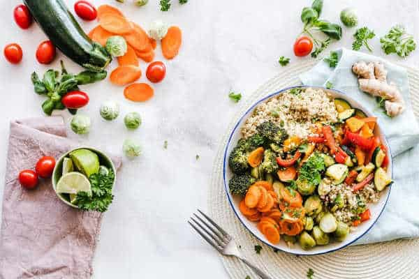 lifestyle blog fresh vegetable bowl healthy eating